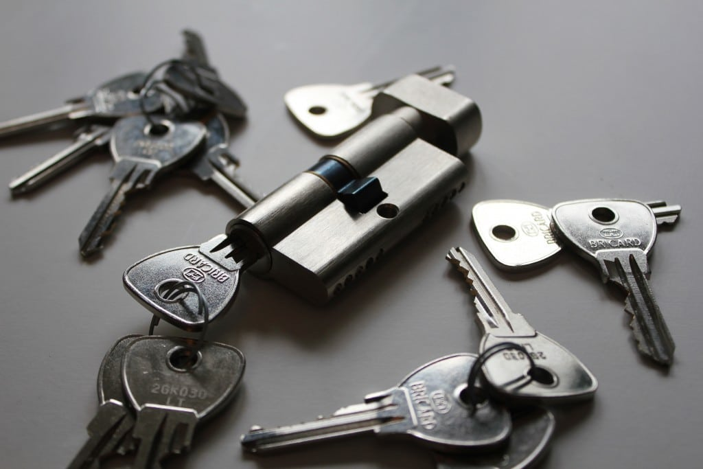 Key cylinder and keys