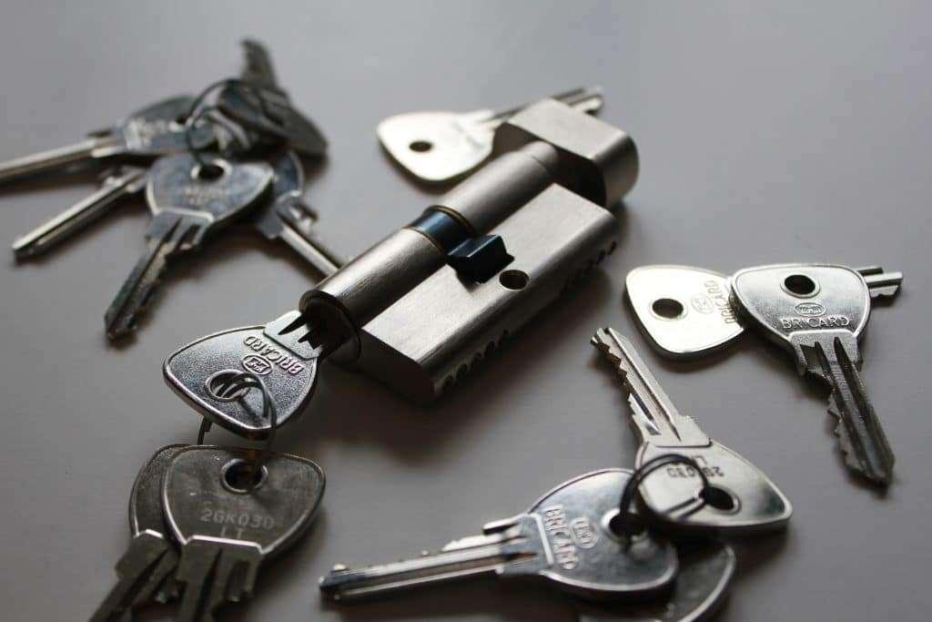 Key cylinder and keys